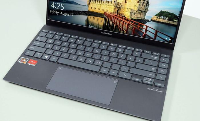 ASUS ZenBook 14 UM425U